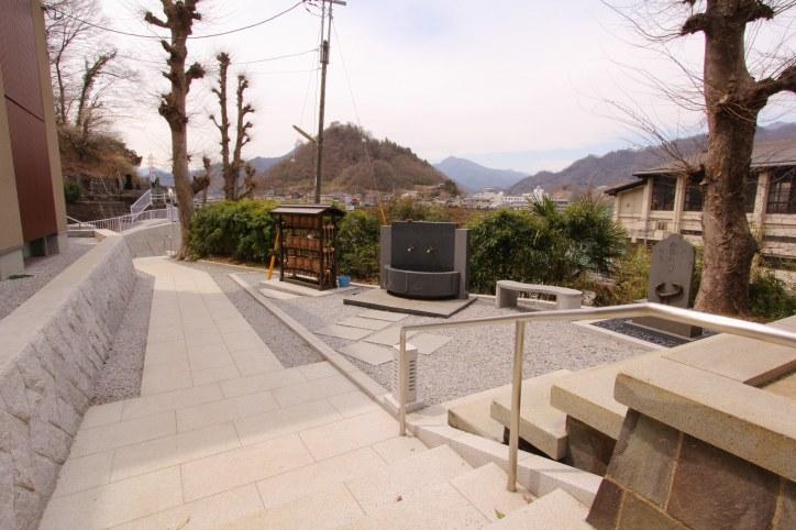 紫雲山 無辺寺<br />(しうんさん むへんじ)